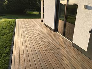 Hochwertige WPC-Terrassendielen mit natürlicher Maserung